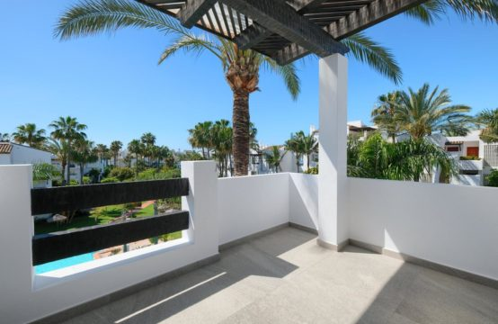 FRONT LINE BEACH COMPLEX, 2 BEDROOM APARTMENT ON THE NEW GOLDEN MILE